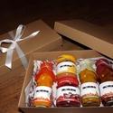 Karácsonyi doboz, Lekvár, Gyümölcslé, Karácsonyi válogatás a Bogyódombtól. A doboz tartalma tetszés szerint is alakítható az aláb..., Ízporta