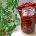 Aszalt paradicsom, Kulinária (Ízporta), Készételek, Szárított, aszalt gyümölcs, Házi aszalású paradicsom extra szűz olívaolajban.   Felhasználható salátákhoz, tésztákhoz..., Ízporta